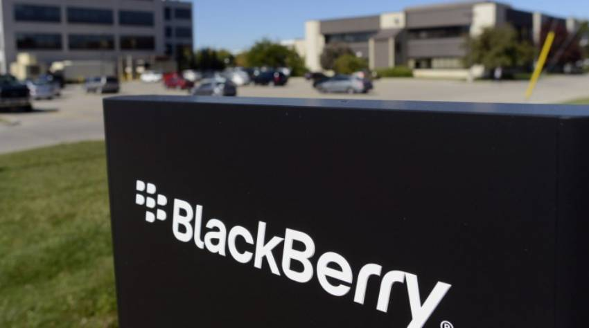 Blackberry signs licencing deal with Delhi-based Optiemus Infracom