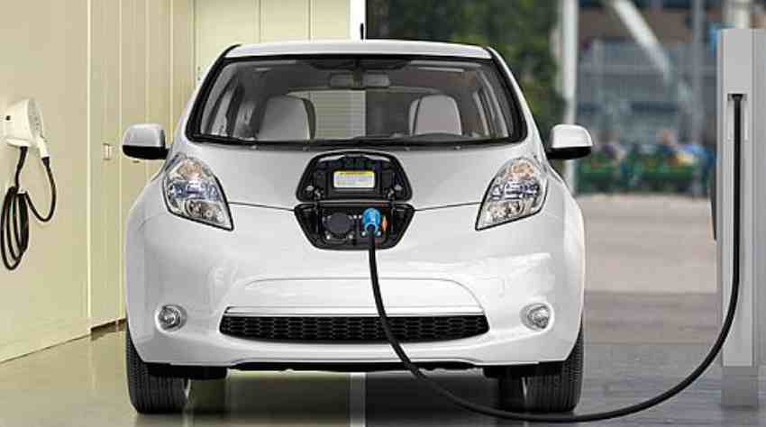 Now Drive Electric Cars With Instantly Rechargeable Batteries